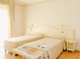 Hotel Liberty, hotel in Roseto degli Abruzzi