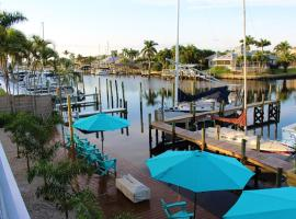 Latitude 26 Waterfront Boutique Resort - Fort Myers Beach, inn in Fort Myers Beach