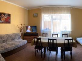 Бунгало SUNNY DAY, отель в Зеленой Поляне