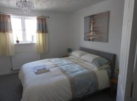 Charming 2-Bed House in Torquay, holiday home in Torquay