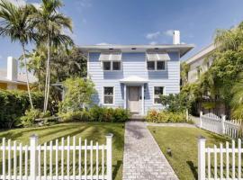 The Periwinkle House - 4bd-2ba - Sleep 10, villa in West Palm Beach