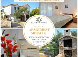 Apartment MIRAcle, hotel in Murter
