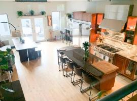 Stylish + Spacious Home Great for Hosting, vacation rental in Chicago