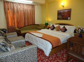 Hotel Al Mehar, hotel near Srinagar Airport - SXR, Rainawādi