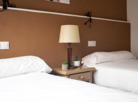 Hotel KATHMANDU, отель в Пас-де-ла-Каса