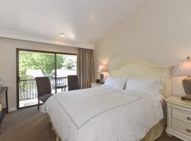 608 Cottages at Silverado residence, Hotel in Napa