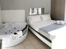 De Gasperi House, hotel with jacuzzis in Naples