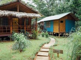 Hidden Paradise Lodge, hotel en Drake