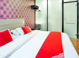 OYO 383 V3 Hotel Nusajaya, hotel in Nusajaya