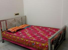 Homestay In Tollygunge , Kolkata , 2 BHK Flat with 2 Toilets Entire Space, self catering accommodation in Kolkata