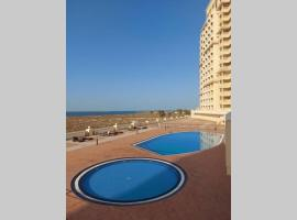 *** Amazing and cozy studio with sea view. ***, apartment in Ras al Khaimah