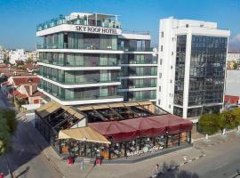 Sky Roof Hotel, מלון בLefkosa Turk