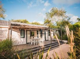 Le Phare, glamping site in Les Portes