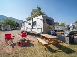 Outdoor Experience Glamping Trailer OK36, glamping site in Moab