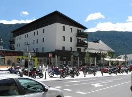 Hotel Alp, hotel v mestu Bovec