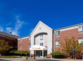 Sonesta Simply Suites Detroit Southfield, hotel near Detroit Golf Club, Southfield