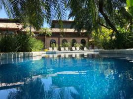 Villa Bebek Hotel, hotel em Camburi