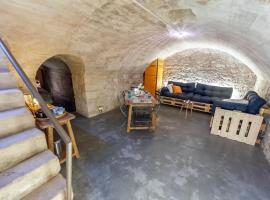 Le Lupanar des Papes, accommodation in Avignon