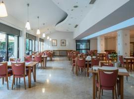 Hotel Flores, hotel in Poreč