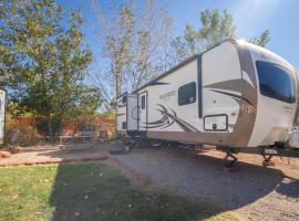 Outdoor Glamping Rockwood II OK61, glamping site in Moab