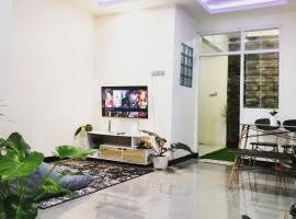 Metro Jungle House, villa in Batu
