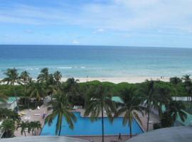 CASABLANCA -Kitchen, Pool, Beach-, apartamento em Miami Beach