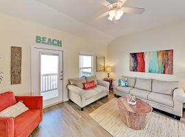 Island Escape - 2 Pools & Hot Tub - Walk to Beach townhouse, vacation rental in Corpus Christi