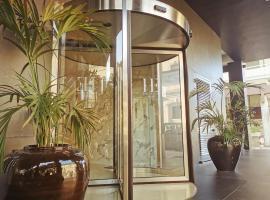 Hotel Excelsior Bari, отель в Бари