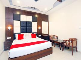 Hotel Cargo By Jd, hotel with jacuzzis in Chandīgarh