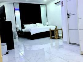 P35HOMES, отель в Лагосе