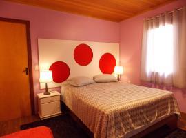 Casa 4 quartos em Canela - Palace Hotel, hotel in Canela