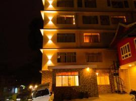 Eden Hotel, hotel in Tādong