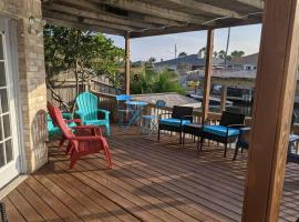 Mrs Potters on the Waters, Beach, Bay, Pool for 13, vacation rental in Corpus Christi
