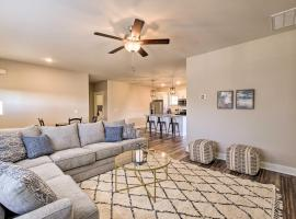 Modern Escape with Mountain Views, 7 Mi to Dtwn, vacation rental in Chattanooga