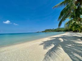 NEW COCO Sardinia Homestay, vacation rental in Ko Chang