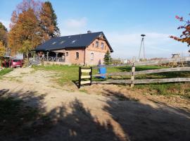 Zacisze przy lesie, Bauernhof in Ryn