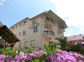 Edelweiss, отель в Поляне