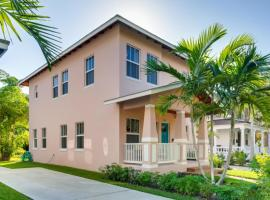 Pink House - Modern 3bd-3ba - Parking - Porch, vacation rental in West Palm Beach
