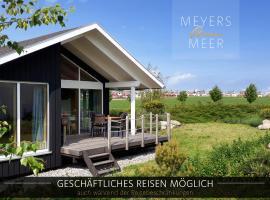 Schwarzes Holzferienhaus mit Sauna -- L I E B L I N G S P L A T Z -- an der Ostsee, Zierow bei Wismar, Strand 500m, alles inklusive, holiday home in Zierow