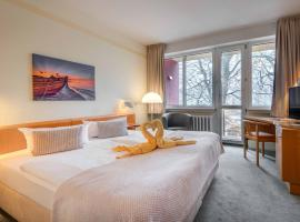Hotel Wald und See, hotel with jacuzzis in Heringsdorf
