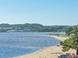 Hytte med 4 Soverom, feriebolig i Kristiansand