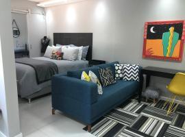 Apartamento em excelente localizaçao, family hotel in Porto Alegre