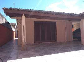 Casa para temporada em Peruíbe SP., room in São Caetano do Sul