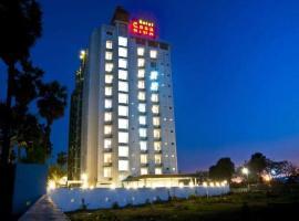 Hotel Casa Riva, hotel in Surat