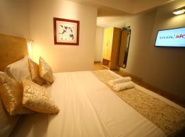 The Urban Stays, hotel in Hyderabad