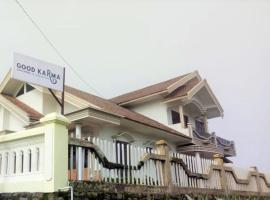 Good Karma Guesthouse, hotel near Mount Bromo, Bromo