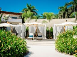 Vallarta Gardens Beach Front Hotel & Residences, hotel en Cruz de Huanacaxtle