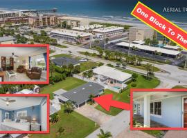 The Red Door Beach Cottage At Cocoa Beach, vacation rental in Cocoa Beach