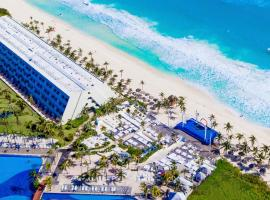 Oh! Cancun On The Beach by Oasis, hotel in Cancún