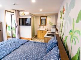 Cherry Apartment - Thao Dien Centre, hotel near Vincom Mega Mall Thao Dien, Ho Chi Minh City